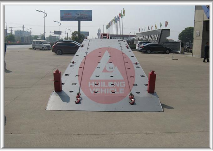 Red Color Flatbed Tow Truck Hydraulic System Control , Flat Deck Tow Truck Easy Installation