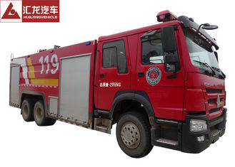China Foam Large Fire Truck Howo 276kw Max Power 6x4 Driving Type 9 Forward Gear supplier